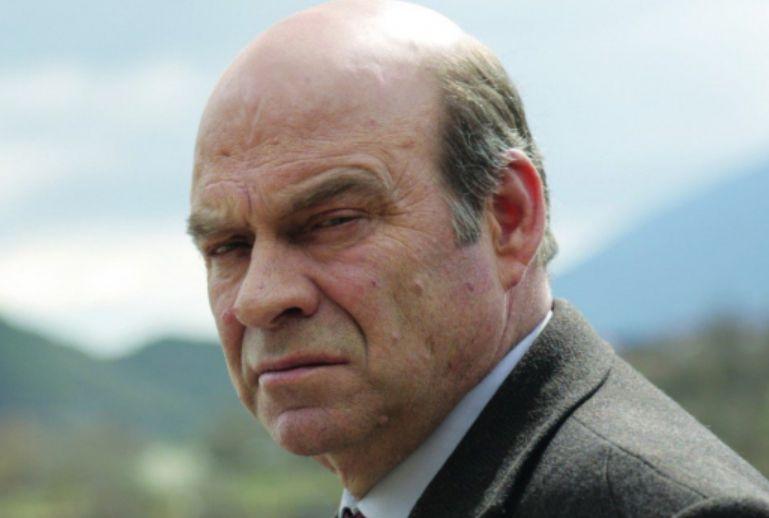 Skandal në Shqipëri, Ndriçim Xhepa nuk lejohet të shohë filmin e tij se nuk kishte biletë