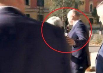 Rama dhe Lleshi përplasen me Xhafajn në Ministrinë e Brendshme, kryeministri surprizon me gjestin e tij (FOTO)