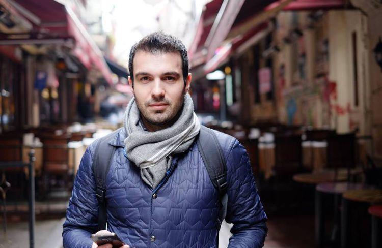 Biznesmeni shqiptar në krah të studentëve, bën atë që politika s'e bëri kurrë