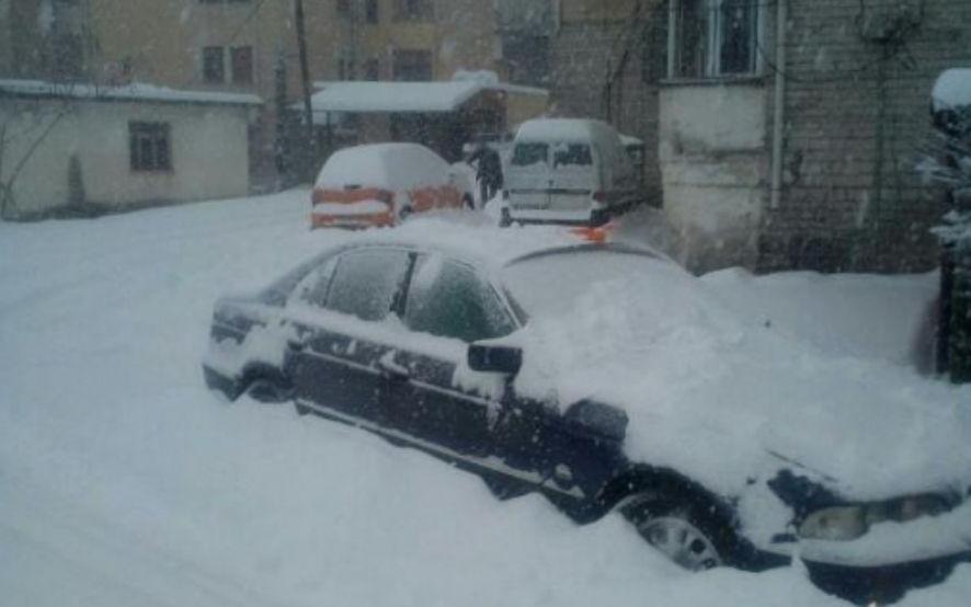 Kujdes nga bora, kjo është gjendja në rrugët e Shqipërisë