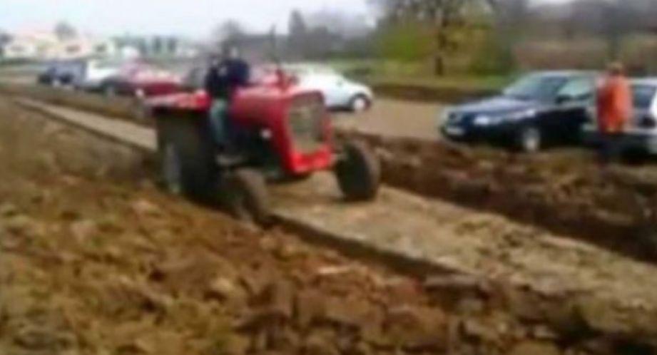 Parkuan makinat tek toka e tij, fermeri i bën të pendohen përjetë