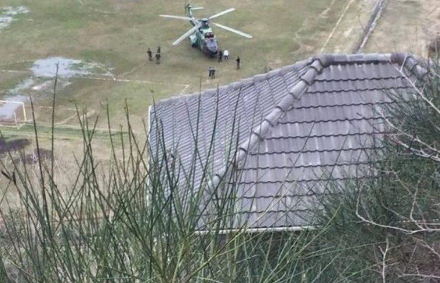 Kërkime me helikopter, zbulohet kush është grabitësi i djeshëm i bankës (VIDEO)