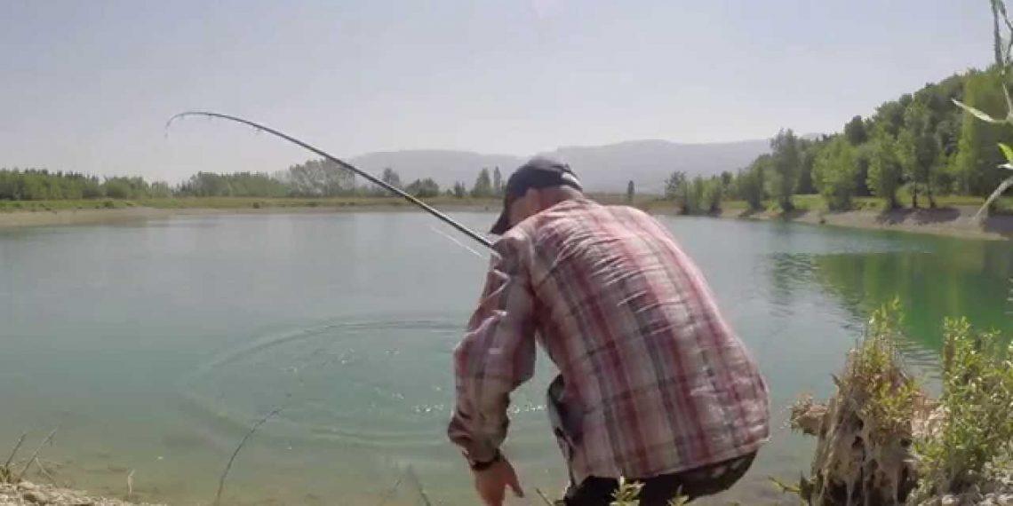 VENDIMI: Lamtumirë peshkim me grep, ja si do të gjuajnë nga sot peshkatarët artizanalë