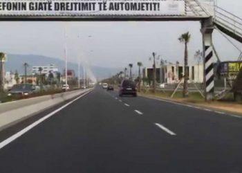 Një ditë para protestës bllokohet autostrada Tiranë-Durrës