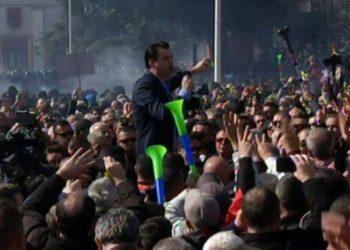 Basha mesazh të fortë ndërkombëtarëve: Mos lejoni Edi Ramën të largohet