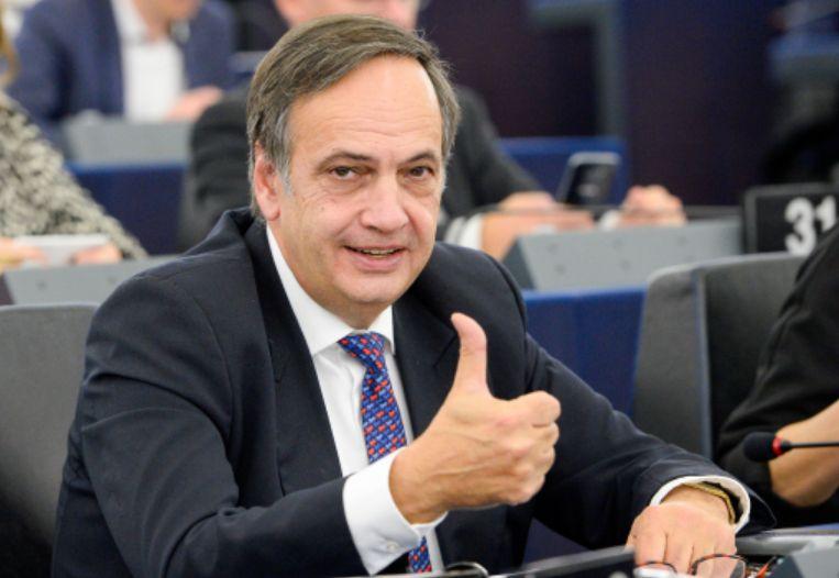 Fleckenstein: Detyra e opozitës, alternativë qeverisjeje Brenda (apo jashtë) Parlamentit