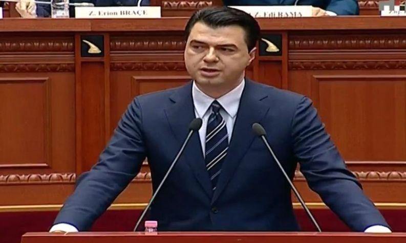 Talat Xhaferri në Kuvendin e Shqipërisë, Basha i shpreh dhimbjen: Ju sot gjendeni në një mort të dytë