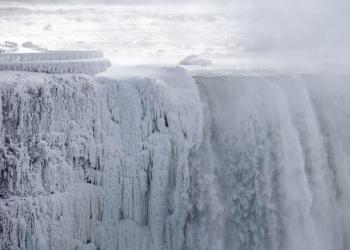 Ngrin Niagara, shijoni spektaklin e akullit (FOTO)