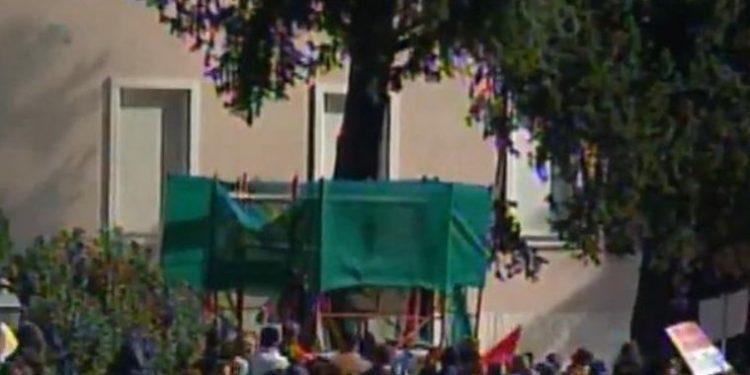 Plas sërish, Garda godet qytetarët për të mbrojtur kërpudhën e Ramës
