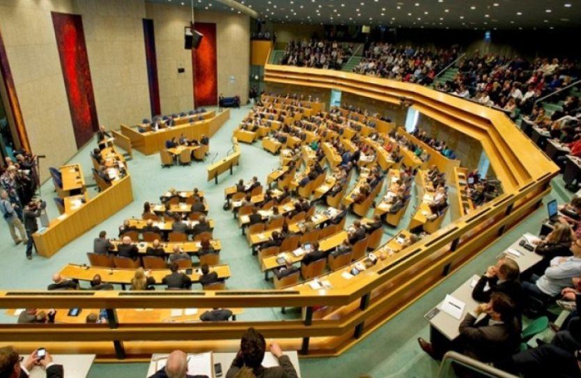 Holanda: Të kthehen urgjent vizat për shqiptarët