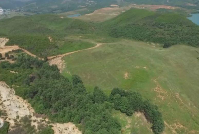 Televizioni gjerman zbulon me dron plantacionin e kanabisit në Shqipëri