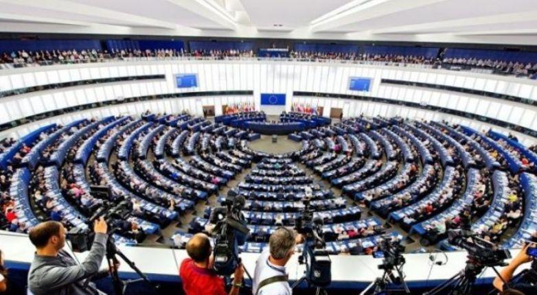 """Parlamenti Europian voton """"pro"""" ekstradimit të Gruevskit nga Hungaria"""