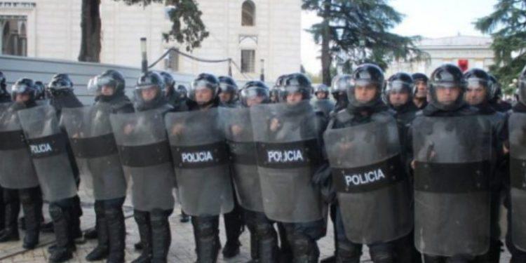 Frikë nga protesta, 1 500 policë do 'blindojnë' Kuvendin