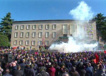 Media e Vatikanit jep alarmin: Do të kemi eksod shqiptar si në vitet '90