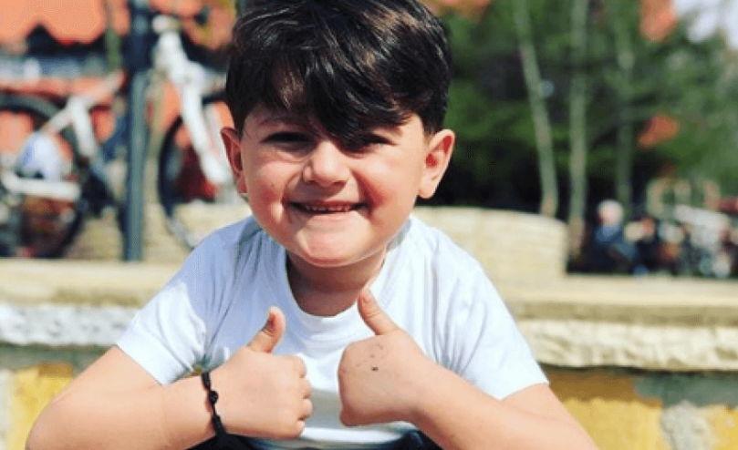 'Taramelja', vogëlushi shqiptar që po thyen rrjetin (VIDEO)