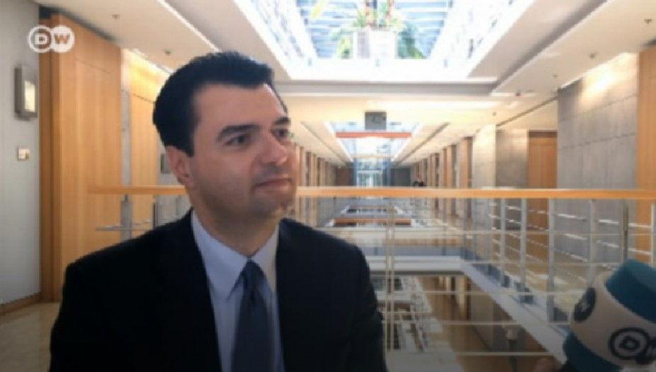"""Lulzim Basha për """"Deutsche Welle"""": Në Europë nuk shkohet me gënjeshtra dhe shtetin e kapur nga krimi"""