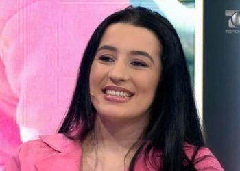 Nënë e 7 fëmijëve, historia e rrallë e 28-vjeçares shqiptare që ka 2 fakultete (FOTO)