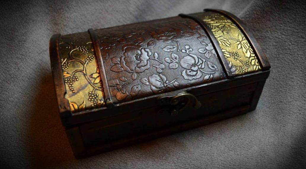 Gjendet arka e shekullit të XIV, zbuluesit mahniten nga ajo që gjejnë brenda (FOTO)