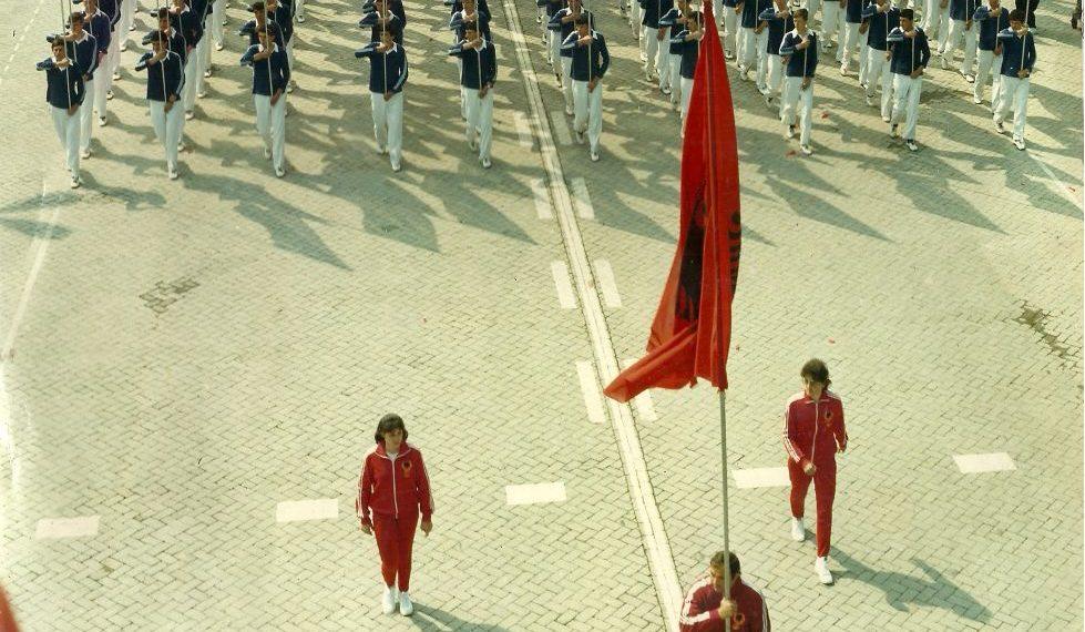 Rrëfimi i Ajet Toskës: Ju tregoj porositë që më dha Sigurimi i Shtetit kur takova Enverin në tribunën e stadiumit në tetorin e 1984-ës (FOTO)