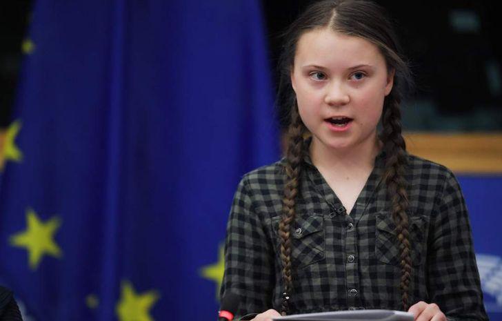 16-vjeçarja bën për ''ujë të ftohtë'' burrat e BE-së, me lot në sy u kujton hipokrizinë që u bë për ''Notre Dame'' e u kërkon një gjë