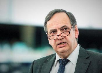 Vendimi i Holandës për vizat, Fleckenstein: I motivuar politikisht! U mbështet dhe nga politikanë shqiptarë