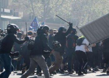 Plas dhuna në protestën e Parisit