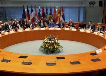 Macron kundër liberalizimit të vizave për Kosovën, DW: Shkak Shqipëria