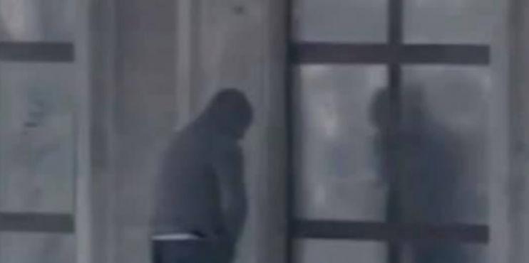 Urinoi në derë të Kryeministrisë, bashkia i çon gjobën PD-së