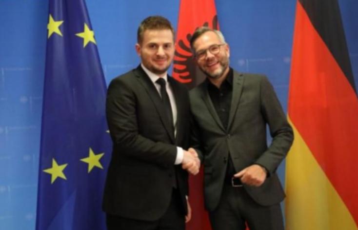 Michael Roth thotë se Shqipëria meriton hapjen e negociatave