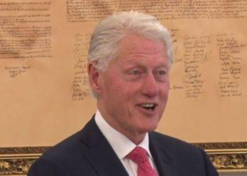 Clinton me fjalë të mëdha për Kosovën: Jeni shembull i paqes në botë, e meritoni të jeni pjesë e BE'së