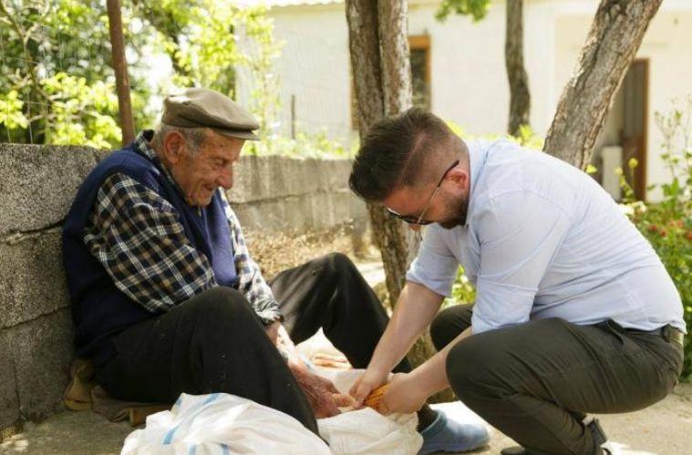 """Erion Isai nis fushatën alla """"lali Eri': Këto janë bëmat më të fundit (FOTO)"""