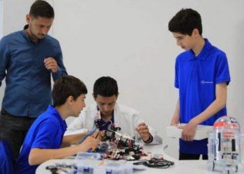 NASA: 98% e fëmijëve janë gjeni ndërsa shkolla mbyt kreativitetin e fëmijëve