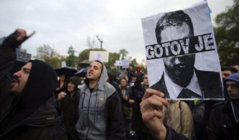 Protestat që po ia dridhin pushtetin Vuçiqit