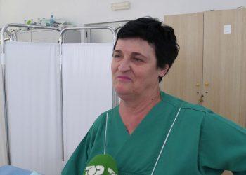 Pensioniste, por vazhdon punën 48 vjet si infermiere (VIDEO)