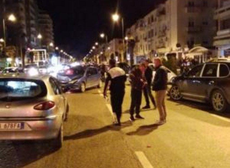 Në Vlorë makina luksoze përplas nënën me fëmijën në krah, i mituri bie në asfalt