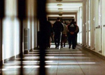 Shqiptari arratiset në mënyrë spektakolare nga një burg në Itali