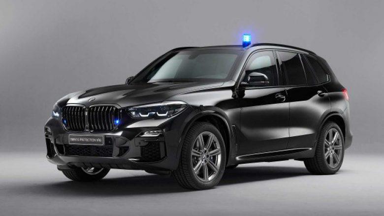 BMW sjell veturën e blinduar, s'kanë çfarë i bëjnë plumbat e kallashnikovit e as eksplozivi (VIDEO)
