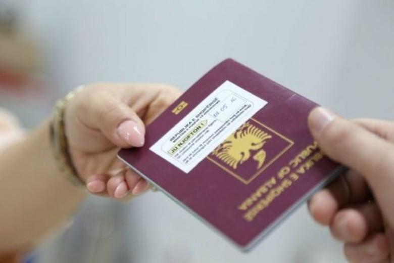 Ndryshojnë proceduarat për marrjen e shtetësisë shqiptare, ja si mund të përfitohet