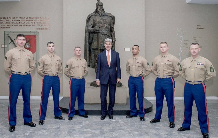 Ambasada Amerikane në Tiranë me një njoftim të rëndësishëm për Shqipërinë