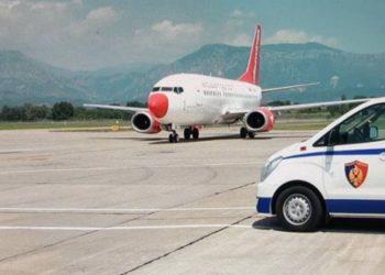 Franca kthen mbrapsht 60 azilantë shqiptarë