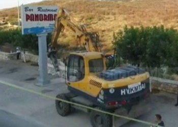 Sulmoi turistët spanjollë, nis shembja e restorantit të Mihal Kokëdhimës (VIDEO)
