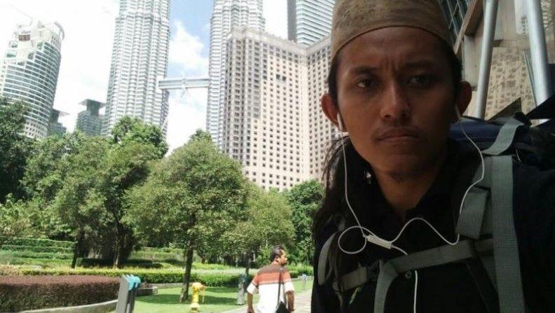 Përshkon mbi 8 shtete në këmbë, i riu shkon nga shtëpia në Mekë për pelegrinazh
