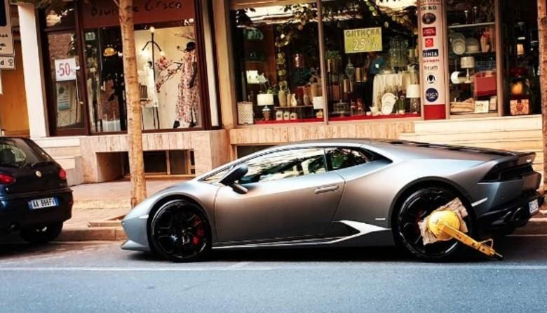 Policia Bashkiake gjobë Lamborghinit të parkuar gabim, Veliaj: Makina yll, parkimi fyll