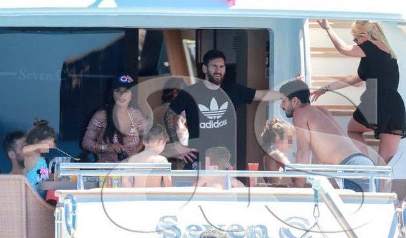 Kushton 7 mijë euro nata, pamjet brenda jahtit luksoz ku po kalon pushimet Messi (FOTO)