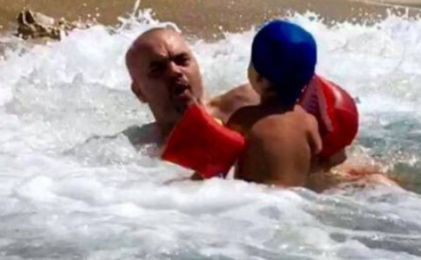 Gazetari zbulon ngjarjen që shqetësoi Ramën teksa pushonte në Vlorë me Zahon