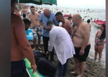 Vrojtuesi i plazhit në Velipojë ia shpëton jetën turistes kosovare
