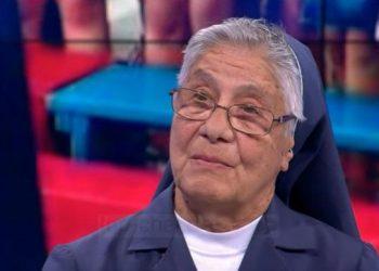 """""""Një pjesë të zemrës do e lë këtu""""! Historia frymëzuese e 80 vjeçares italiane që qëndroi 23 vite në Shqipëri (VIDEO)"""