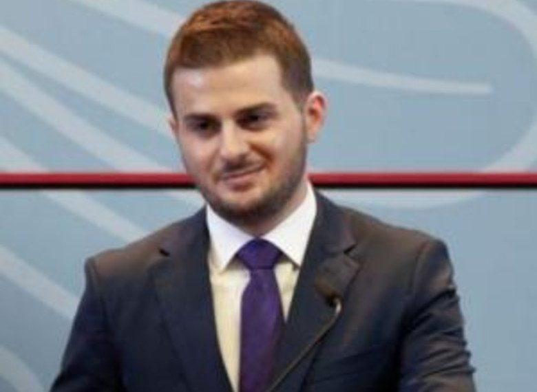 U tha se u hoqi pasaportat diplomatike kuqezinjve, reagon ministri Cakaj