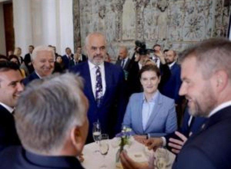 Rama publikon videon nga Praga dhe jep lajmin e madh: Morëm 4 'PO' (VIDEO)