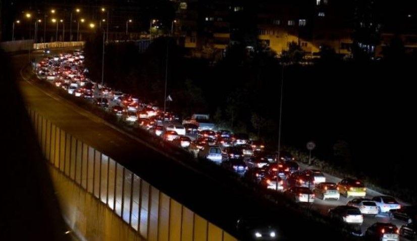 """Qytetarët me """"zemër në dorë"""", ç'ndodhi para mesnatës në rrugët e Tiranës (FOTO)"""